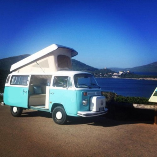A VW T2 Classic Campervan called Fanny and Fanny with Pop for hire in sassari, Italy
