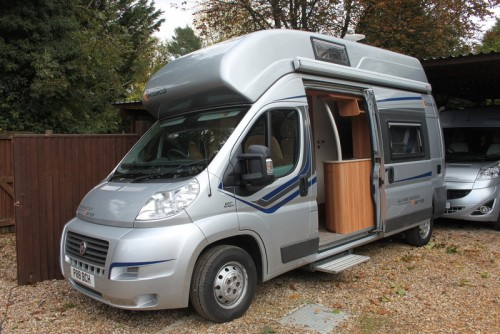 A Globe Campervan called Globecar-Vario and Side 1 for hire in thatcham, Berkshire