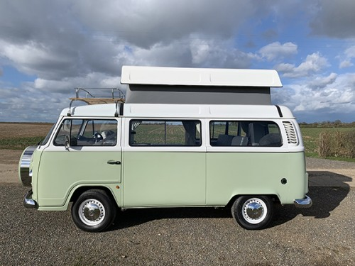 A VW T2 Classic Campervan called DaisyT2 and Pop top with small double bed in for hire in wallingford, Oxfordshire