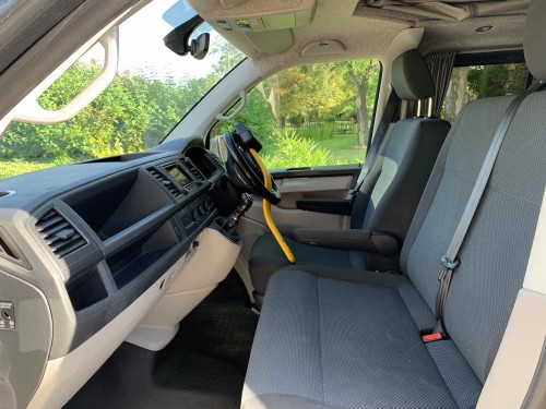 3 seats in the cab, 5 usb plugs