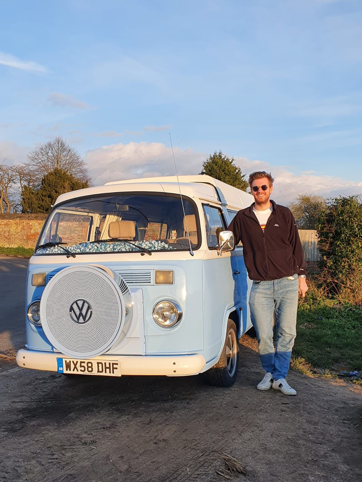 A VW T2 Brazilian Campervan called Skye and for hire in Henley-on-Thames, Oxfordshire